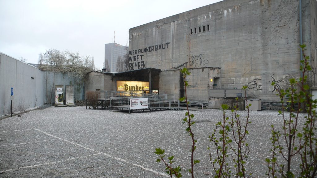 Bunker im Hagel