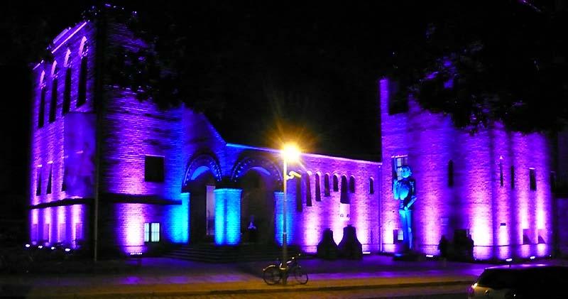 Stadtmuseum nachts 800