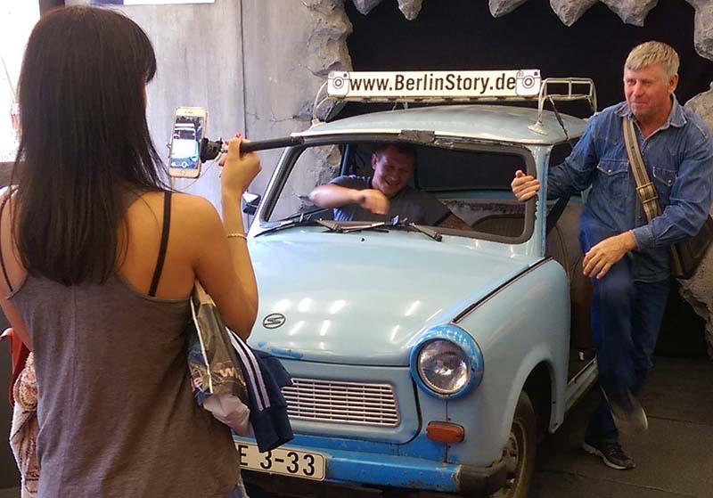 Sonntag in der Berlin_Story_001
