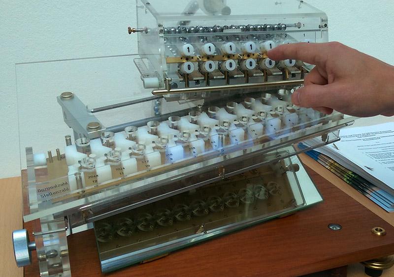 leibniz-rechenmaschine-dualsystem